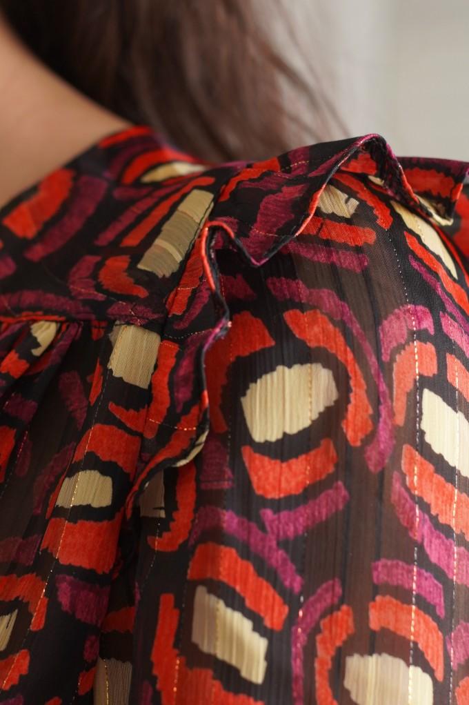 Robe avec volants aux épaules